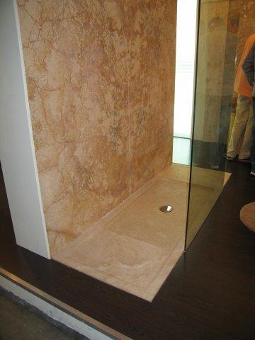 Materiali e collezioni piatto doccia in pietra aesina e for Piatto doccia pietra